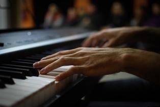 tocalilafibra - Albert pianista i tècnic